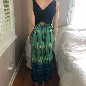 2 LEFT XS & S Fall Embroidered Grn Blue Maxi Dress
